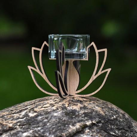 Pastatoma žvakidė Lotosas