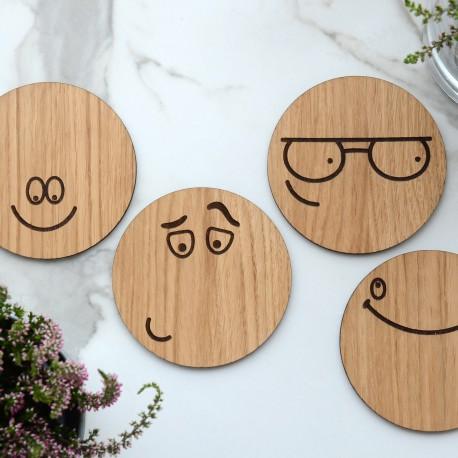 Stalo padėkliukų komplektas Emoticons